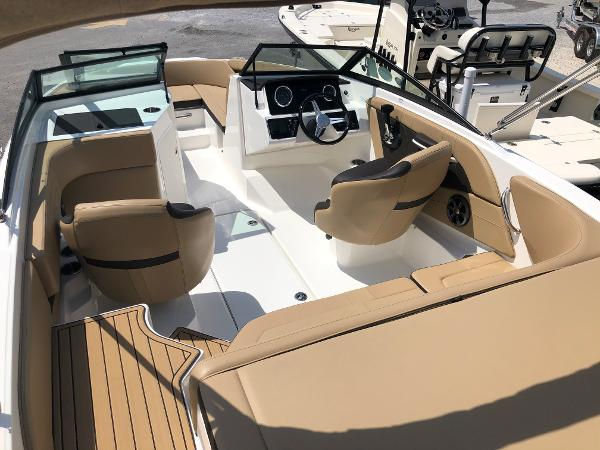 Sea Ray 190 SPX-OUTBOARD