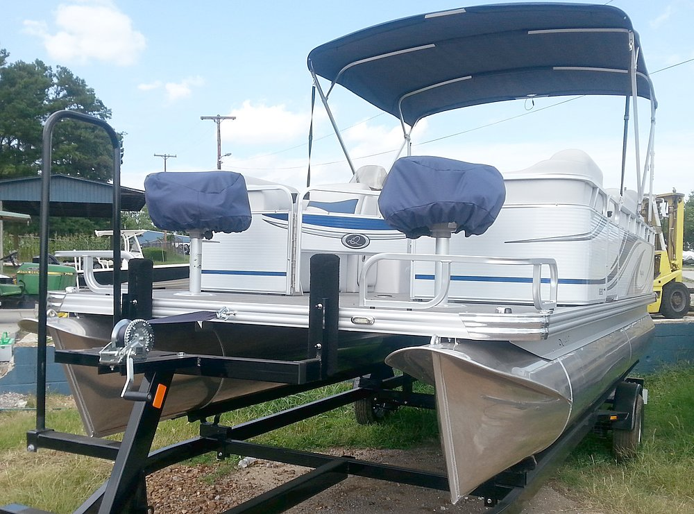 APEX MARINE Qwest Adventure 820 VX SC