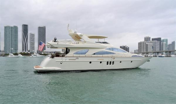 Azimut Motor Yacht Enchanted Lady