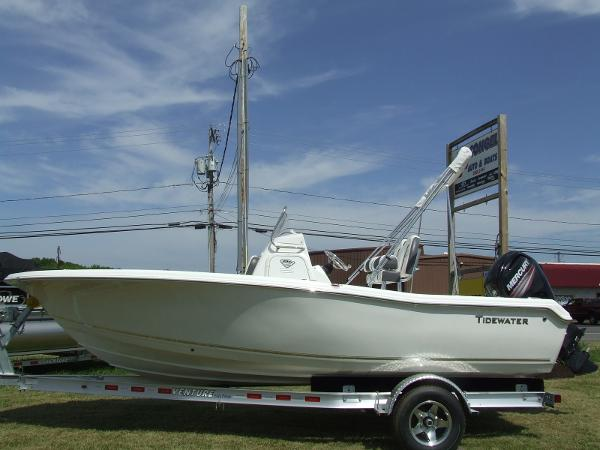 Tidewater Boats 198 CC ADVENTURER