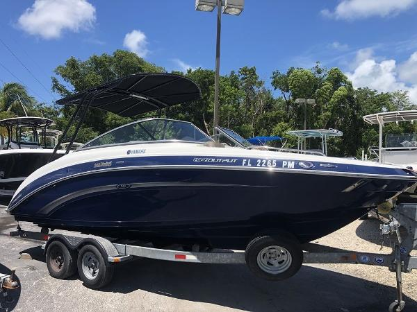Yamaha Boats 24FT 242 Limited