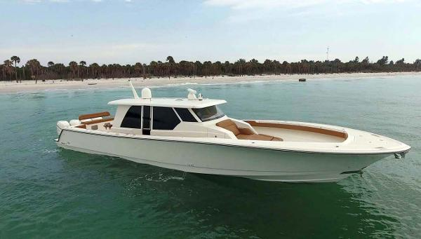 Gulfstream Yachts Tournament Edition Starboard Profile (White)