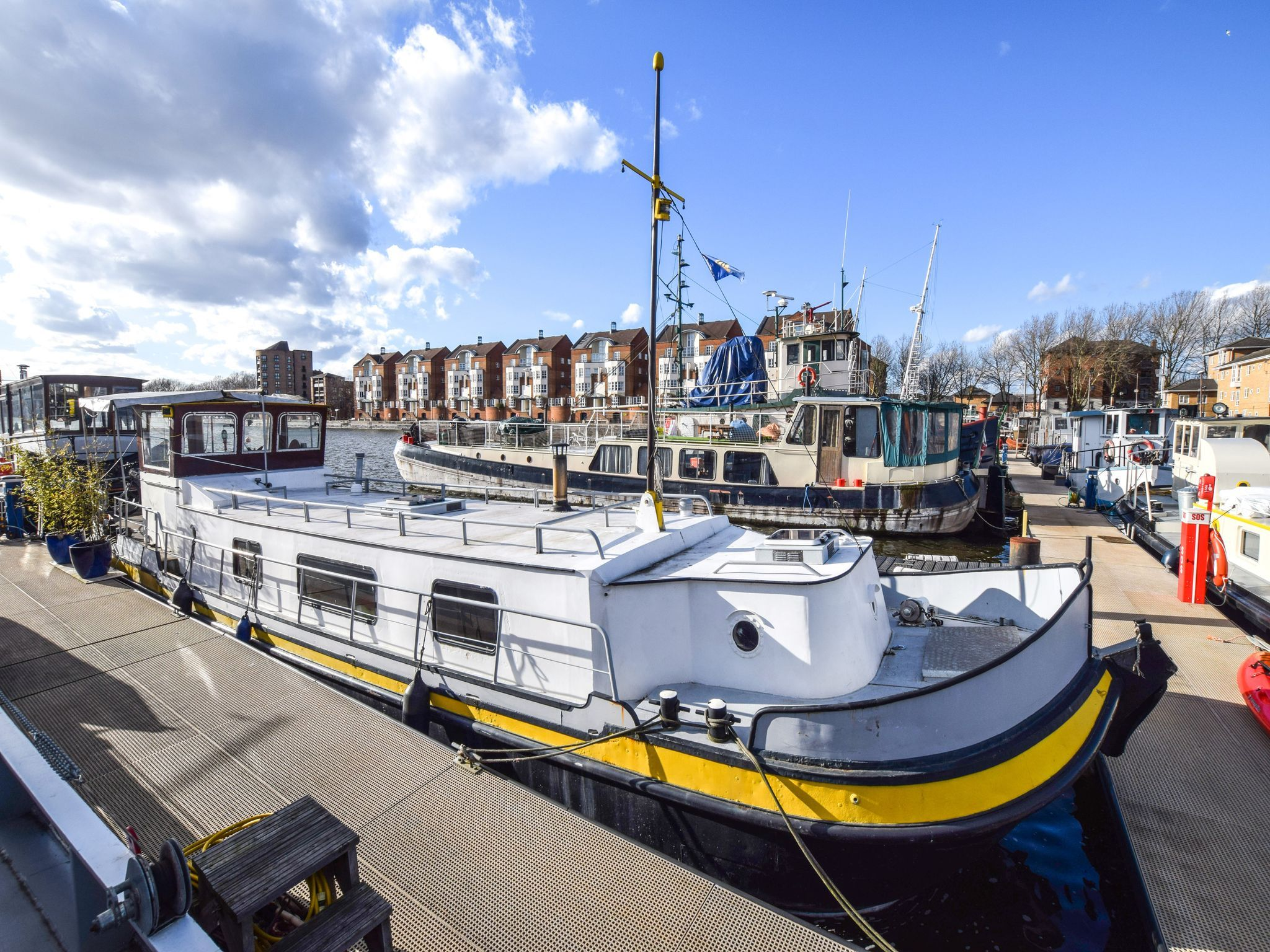 Dutch Barge 54ft with London mooring