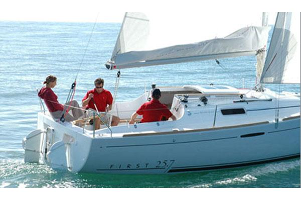 Beneteau First 25.7 S Manufacturer Provided Image
