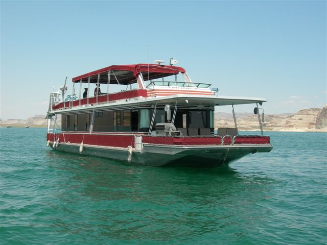 Stardust Custom Cruiser Houseboat