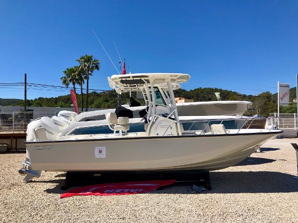 Boston Whaler 210 Montauk Boston Whaler 210 Montauk