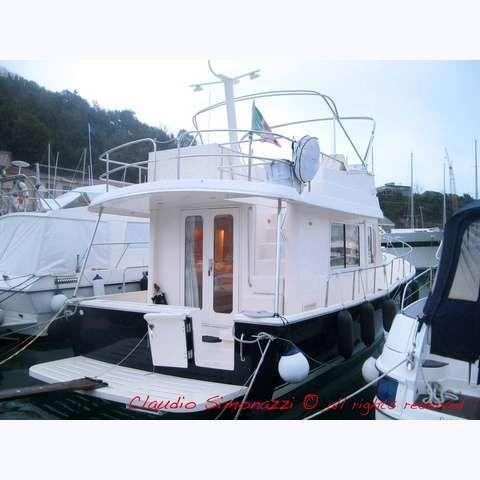 Mainship 34 Trawler Photo 1