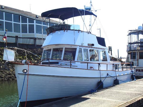 Grand Banks 36 Classic Trawler