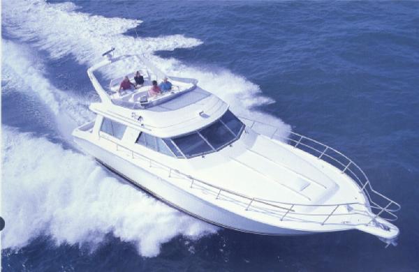 Sea Ray 550 Sedan Bridge Sea ray Stock Photo