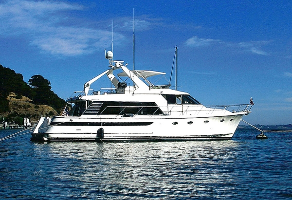 Ocean Alexander 540 Pilothouse Ciao at anchor