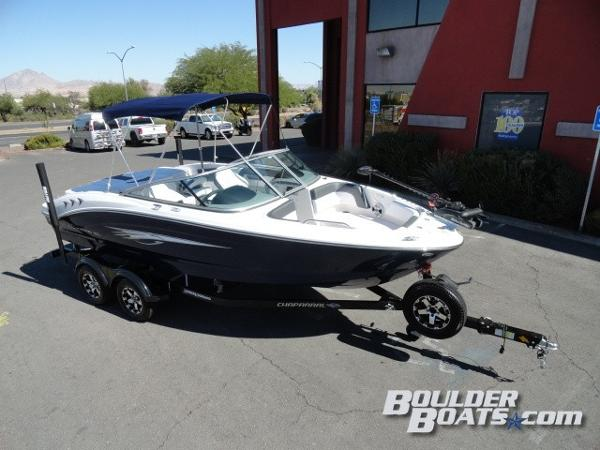 Chaparral 21 SSI Ski & Fish
