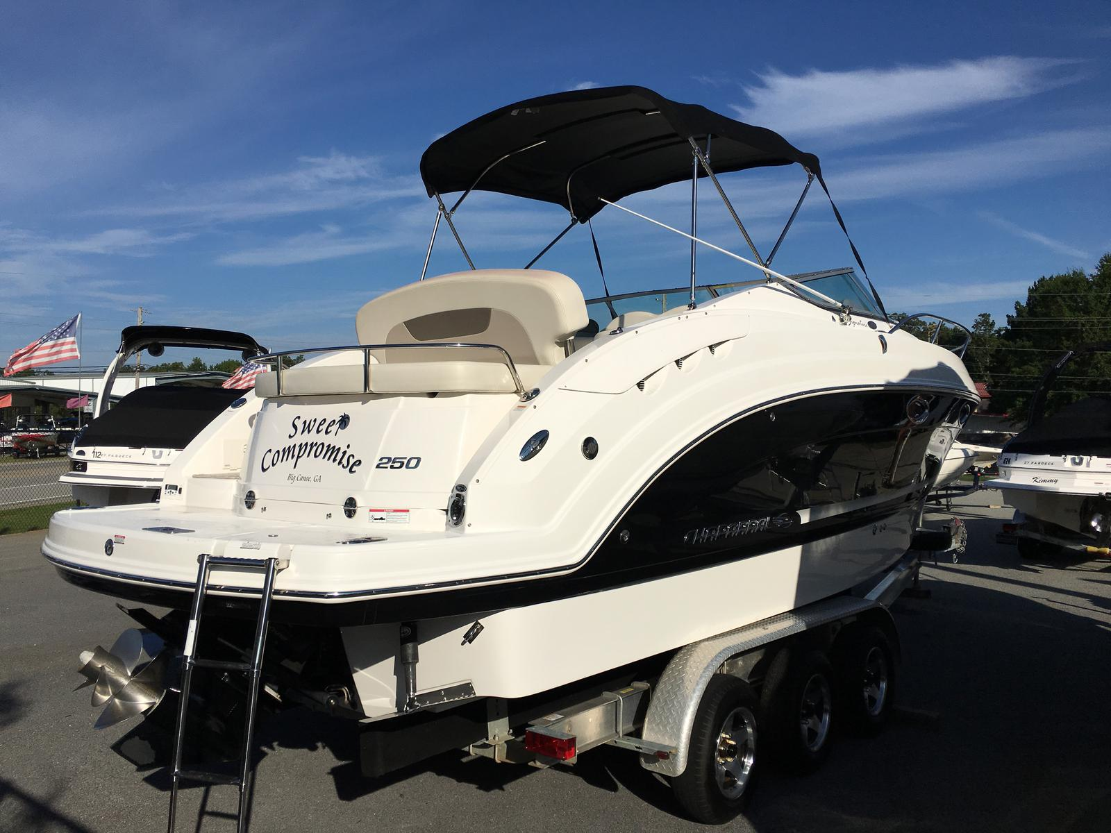 Chaparral Signature 250
