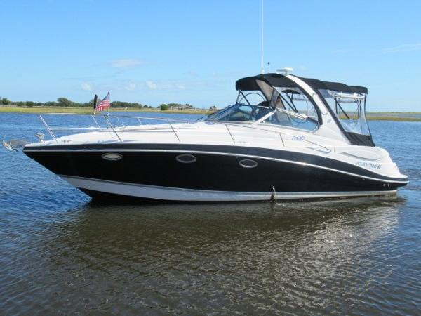 Four Winns 318 Vista Sleek exterior profile