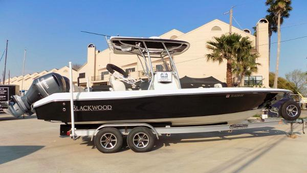 Blackwood 27 CENTER CONSOLE