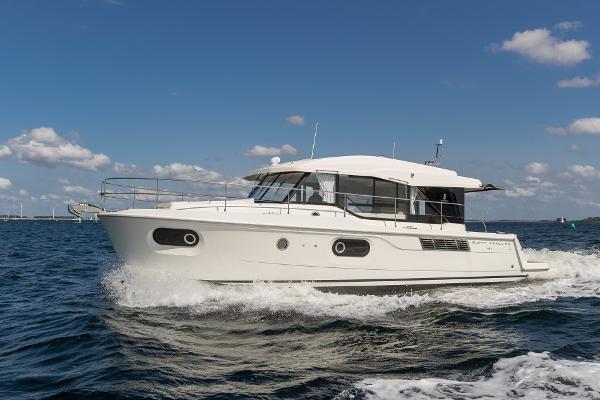 Beneteau 41 Swift Trawler Sedan