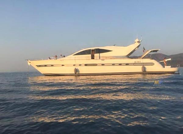 Cerri Cantieri Navali 86 Sport Fly
