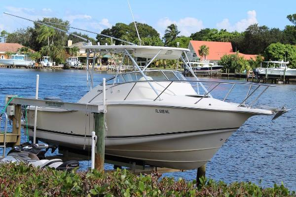 Scout 280 Abaco Profile at Dock