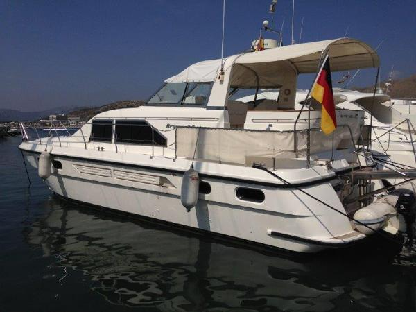 Broom 44 Broom 44 Exterior Profile