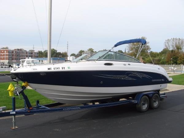 Chaparral 256 SSi PROFILE, TRAILER INCLUDED