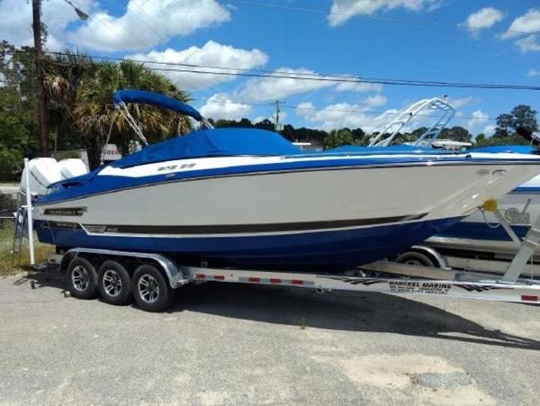 Monterey 305 Sport Yacht