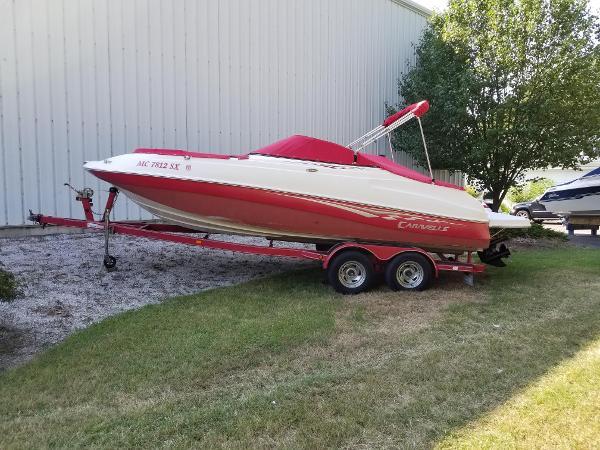 Caravelle 218 Deck Boat
