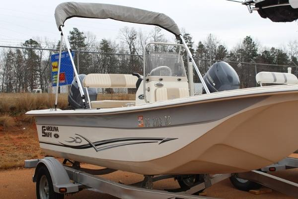 Carolina Skiff DLX Series 16