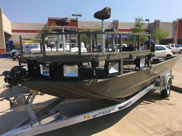 White River Marine Group 2072 CC SPORTSMAN