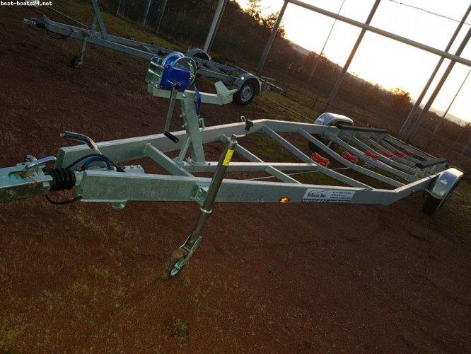 TREFFPUNKT-BOOT PILOB 1,5 - 3,65 T MOTORBOOT TRAILER
