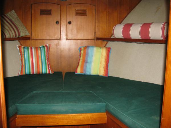 V-berth suite