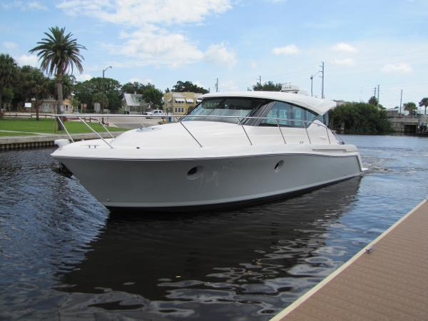 Tiara Yachts 39 Coupe Profile