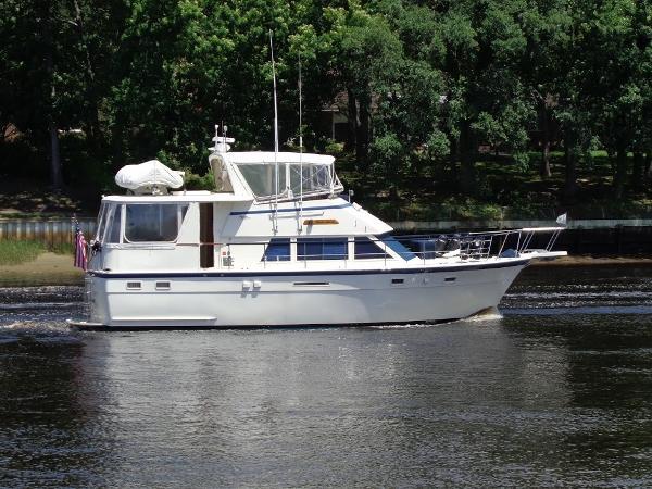 Hatteras 43 Motoryacht Starboard Profile