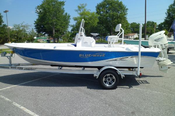 Blue Wave 2000 PureBay PORT ON TRAILER