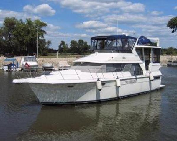 Carver 440 Aft Cabin Motor Yacht 1995 Carver 440 Aft Cabin Motor Yacht