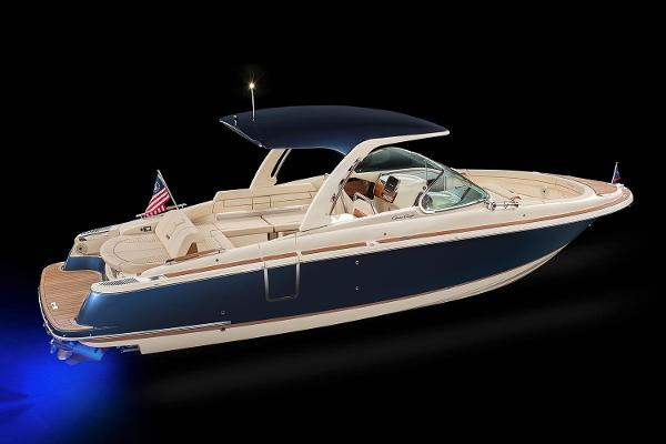 Chris-Craft Launch 31 GT Manufacturer Provided Image