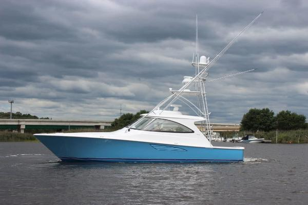 Viking 48 Sport Yacht