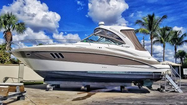 Cruisers Yachts 360 Express (Now 380 Express) 2011 Cruisers Yachts 360 Express