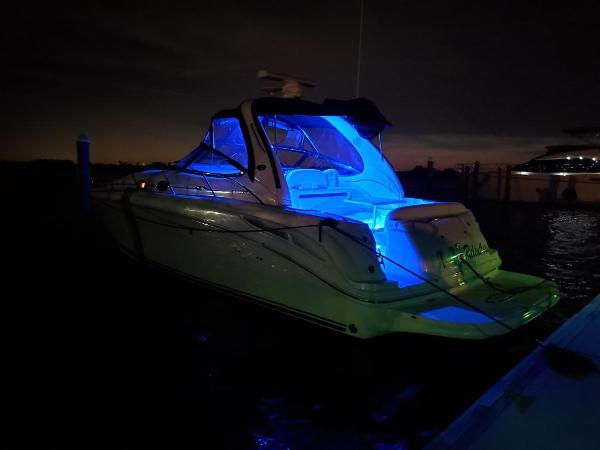 Sea Ray 360 Sundancer