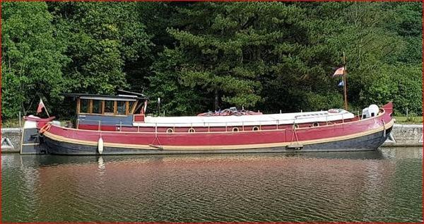 Tjalk Barge 72 (lowered)