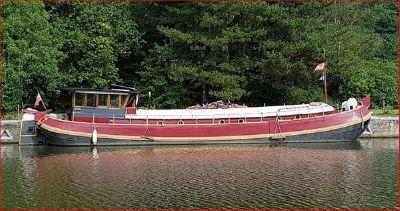 Tjalk Barge 72 (lowered)