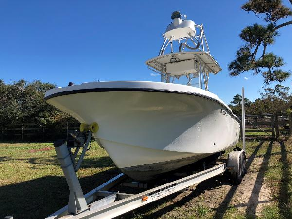 Dusky 252 Center Console Tower