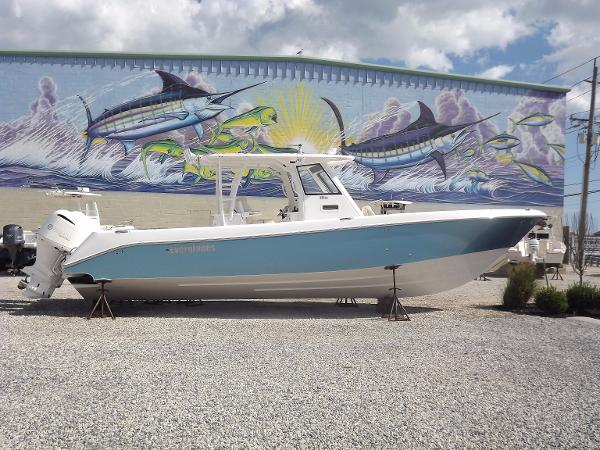 Everglades Boats 355 Center Console