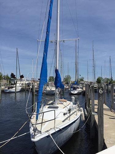 Ericson 32 Port bow view