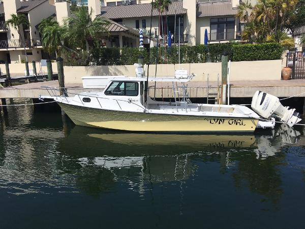 C-hawk Boats Sport Cabin