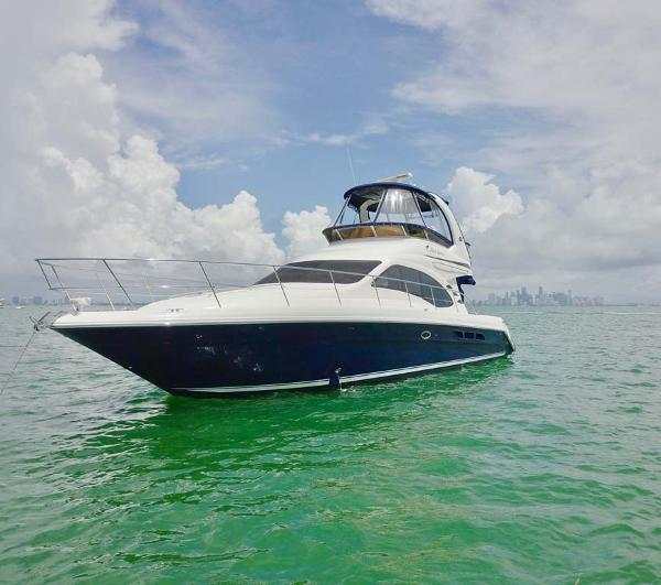 Sea Ray 44 Sedan Bridge PORT Bow Profile