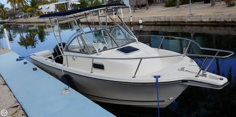 Robalo 2140 Walkaround 1996 Robalo 2140 Walkaround for sale in Key West, FL
