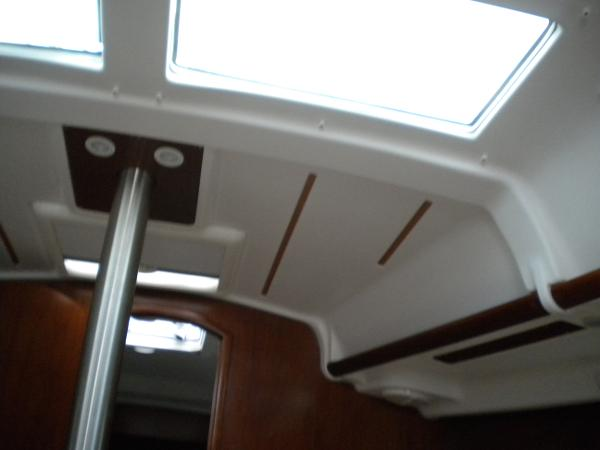 Fixed skylights in main cabin;