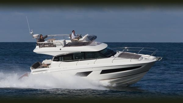 Prestige 420 Flybridge Running Profile - Manufacturer Photo
