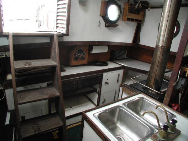Galley & Cabin Entrance
