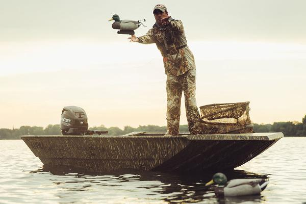 Alumacraft Waterfowler 16 Manufacturer Provided Image