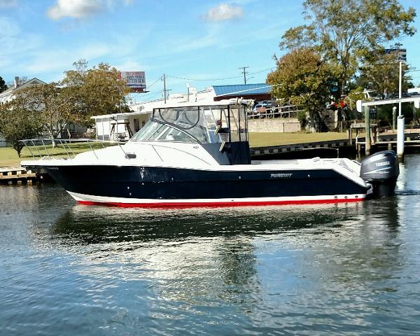 Pursuit 3070 Express Port Profile Afloat